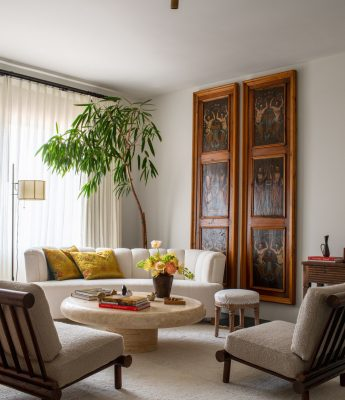 Kendall Jenner Bedroom Seating Area Get the Look